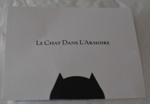 Light and Smell Le Chat Dans L'Armoire